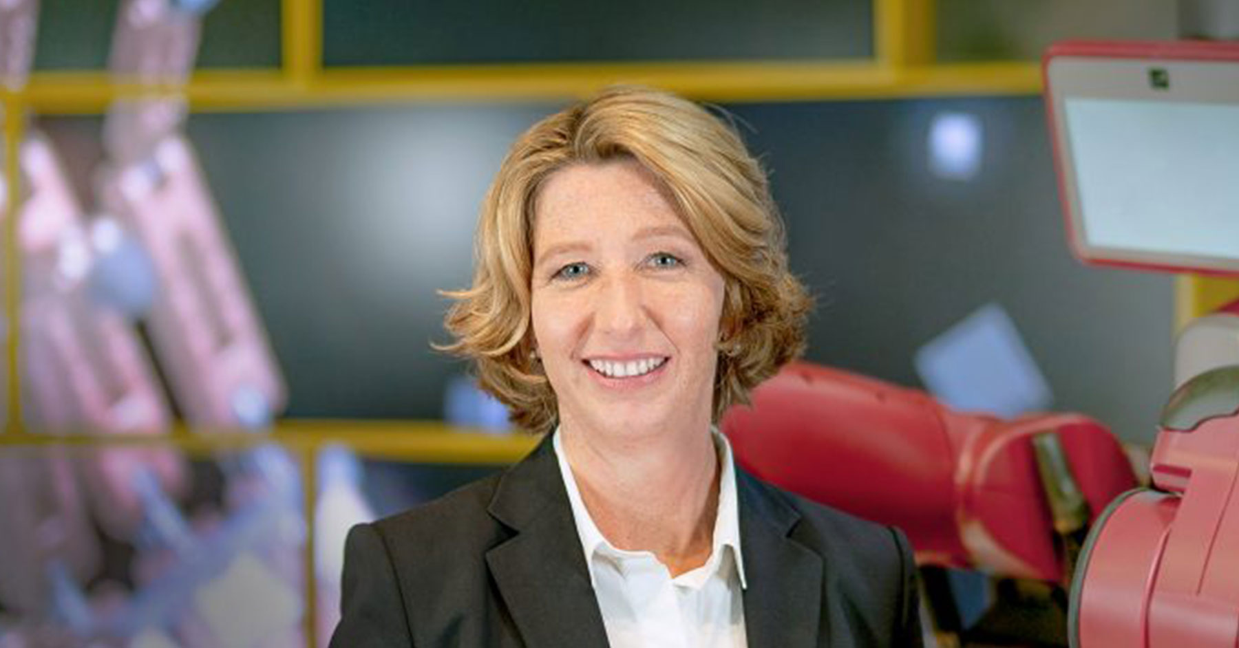 #35: Sabine Mueller CEO of DHL Consulting Featured Image